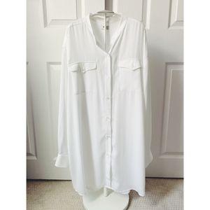 Aritzia Talula White Collarless Tunic Length Shirt
